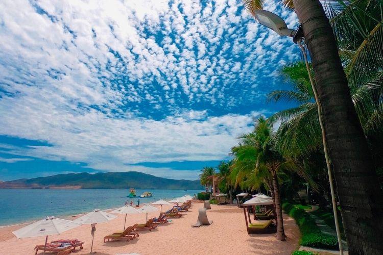 Nên đi du lịch Hòn Tằm Nha Trang vào tháng mấy