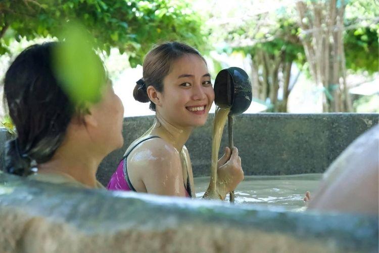 Lịch trình trải nghiệm tắm bùn Hòn Tằm